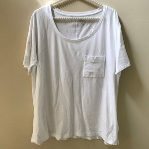 Old Navy Boyfriend Fit Pocket Tee